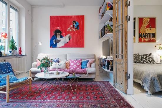 Perete despartitor cu etajere intre sufragerie si dormitor