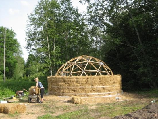Construire casa din baloti