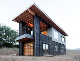 4 Casa mica construita din materiale ecologice