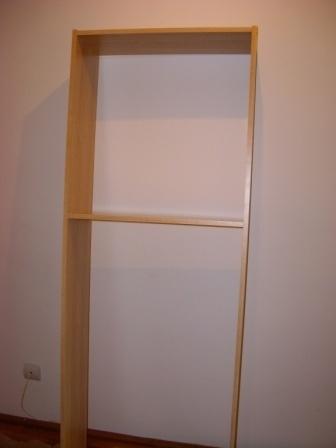 raft pentru hol ridicat