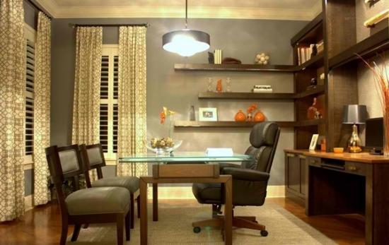 Biblioteca cu birou si rafturi si etajere de perete