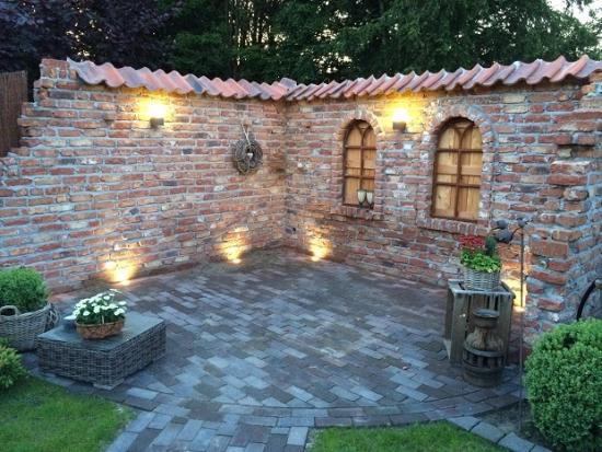 Idee de terasa construita din caramida