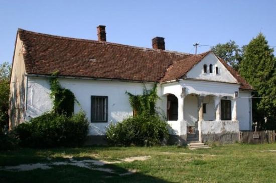Renovarea unei case vechi din caramida - A durat un an insa rezultatul este miraculos - poze inainte si dupa