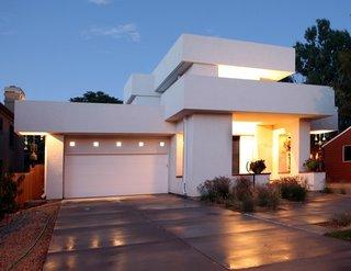 Casa in stil contemporan complet alba