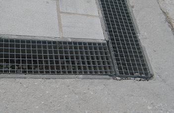 Amenajari exterioare rigole grilaj metalic