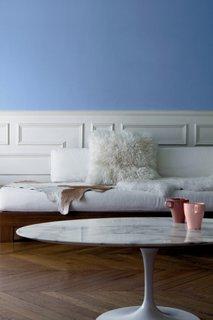 Parchet din stejar masiv si mobilier alb