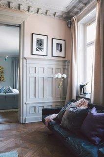 Tavan cu model clasic de baghete decorative din lemn
