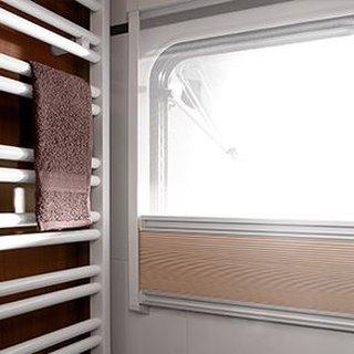Toaleta in rulota cu geam pentru o buna aerisire