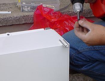 Suport metalic pentru caseta