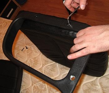montare brate scaun de birou