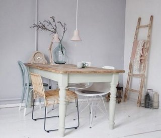 Masa cu scaune diferite dining