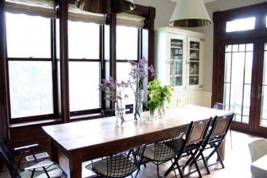 scaune bertoia pentru o bucatarie rustica moderna