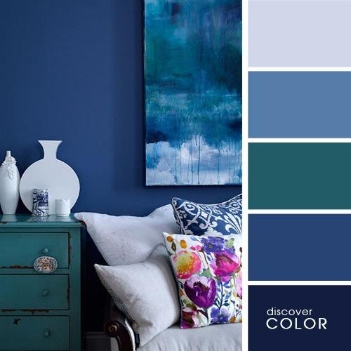 Albastru inchis pentru un living modern