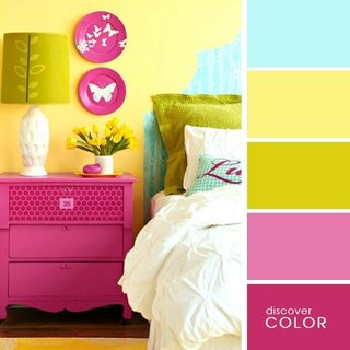 Dormitor amenajat in culori aprinse