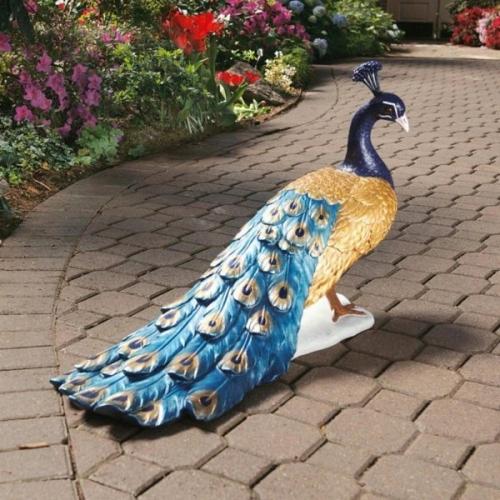 Paun colorat figurina pentru decorarea gradinii