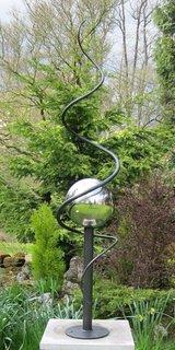 Sculptura moderna de gradina din otel si inox