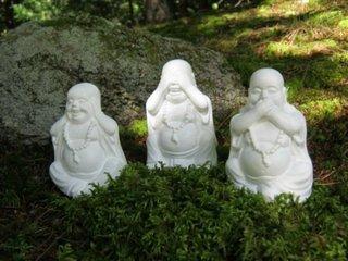 Statuete Buddha din piatra pentru terase