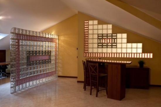 Birou modern cu partitie perete din sticla