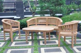 Set de mobilier de gradina din lemn de tec cu masa joasa ovala doua fotolii si banca de doua persoan