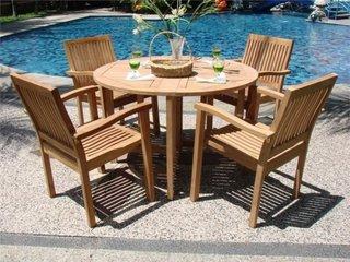 Set modern de mobilier de gradina cu masa rotunda si scaune din lemn de tec