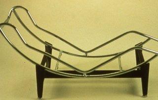 Chaise Longue B306  cel mai modern model de sezlong creat in 1928