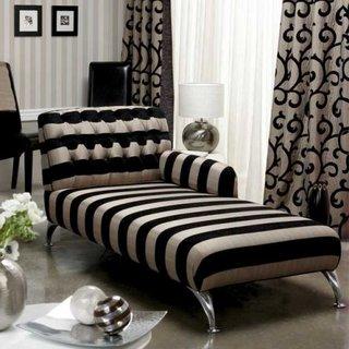 Model de divan pentru living in dungi negre cu crem