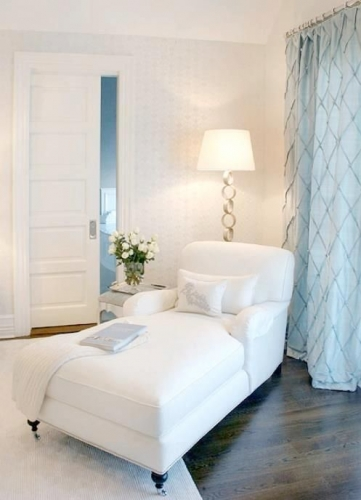 Sezlong alb pentru dormitor