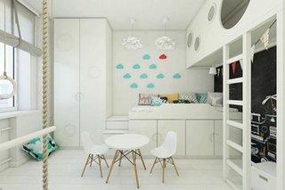 Camera de copil cu mobilier alb