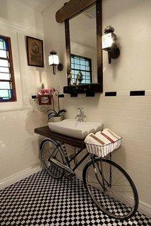 Model inedit de dulapior pentru chiuveta de baie