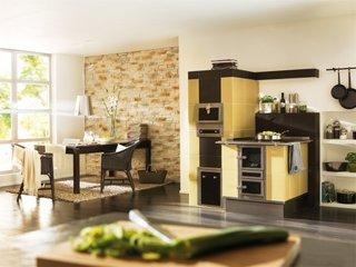 Bucatarie moderna cu soba teracota cu plita si cuptor