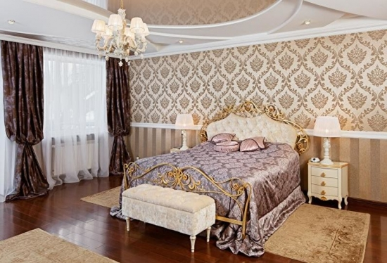 Dormitor cu 2 tipuri de tapet