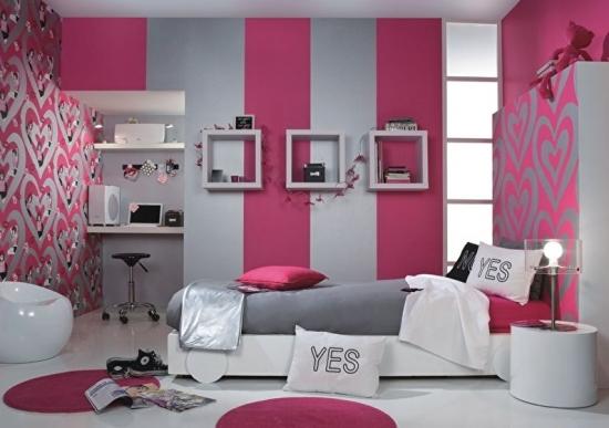 Dormitor cu tapet in 2 culori