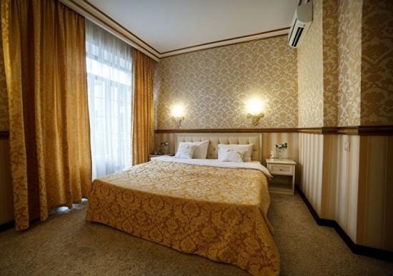 Modele diferite de tapet in dormitor