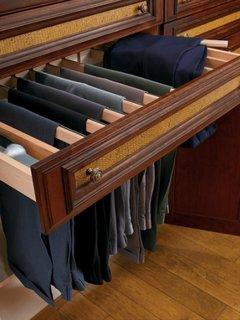 Solutie depozitare pantaloni