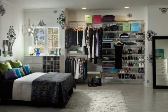 Solutii depozitare haine dormitor