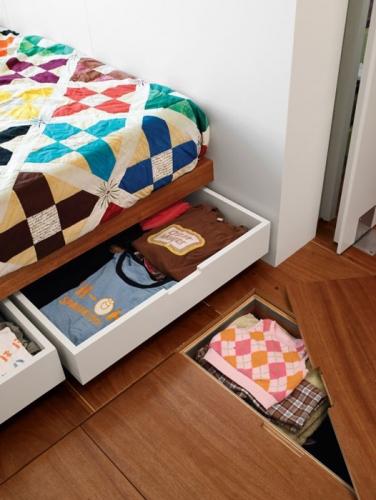 Pat de dormitor cu sertare pentru depozitare