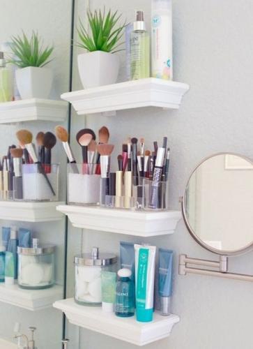 Idei pentru depozitarea produselor cosmetice in baie
