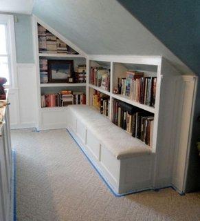Biblioteca de carti incastrata in perete
