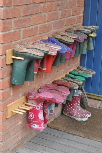 Cum poti pastra cizmele de cauciuc afara