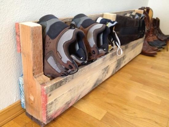 Suport pentru incaltaminte hand made din lemn