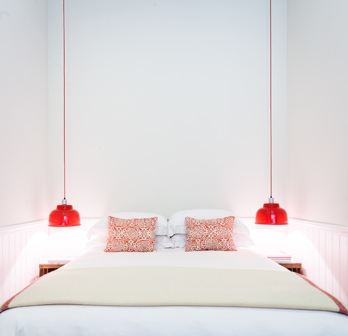 Corpuri de iluminat suspensii rosii pentru dormitor ingust