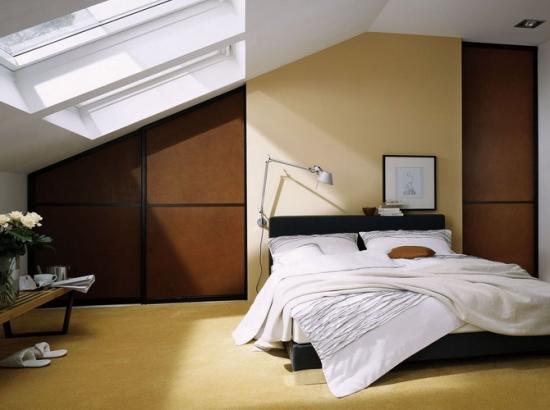 Dulapuri mari dormitor mansarda