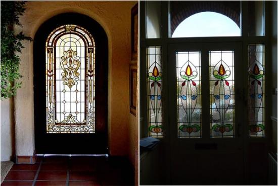 Modele de usi de intrare din lemn masiv si geam vitraliu pictat manual