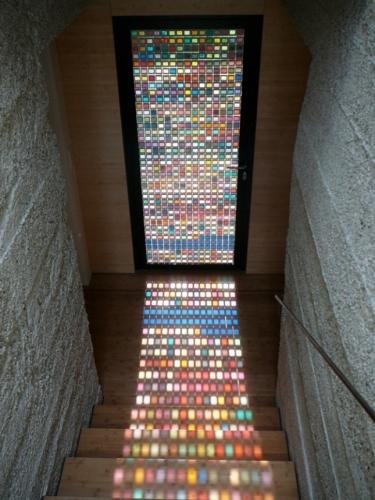 Usa de intrare Patone din sticla colorata