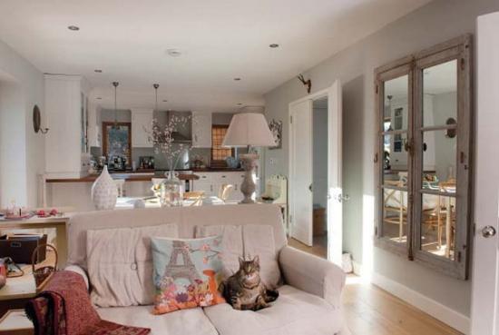 Apartament mic amenajat open space in stil shabby chic