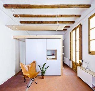 Sistem de grinzi de lemn pe tavan