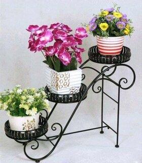 Suport fier pentru flori de gradina.jpg