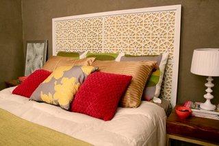 Asa arata tablia de pat confectionata din covorase de intrare