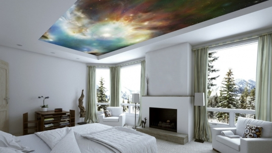 Dormitor complet alb si tapet pe tavan