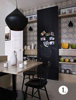 Tapet decorativ cu romburi negru si maro pentru dimensiune in bucatarie